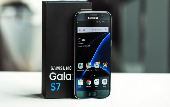 Фото: Samsung заперечує проблеми з акумуляторами у смартфонів Galaxy S7