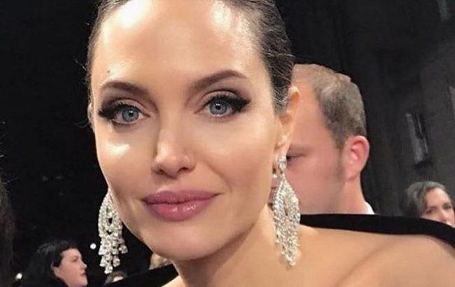 """""""Сестра-близнец"""": в России живет двойник Анджелины Джоли (фото)"""