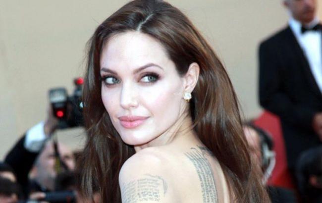 Сдали нервы: Анджелина Джоли госпитализирована