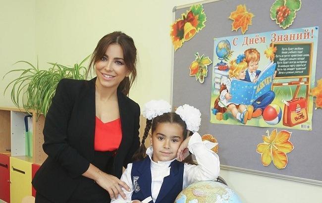 Выяснилось, сколько Ани Лорак платит за обучение дочери в московской гимназии