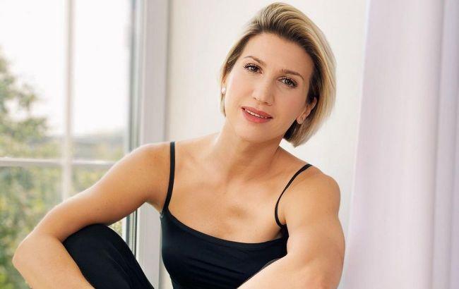 Жир с живота уйдет: Анита Луценко показала самые действенные упражнения для идеального пресса