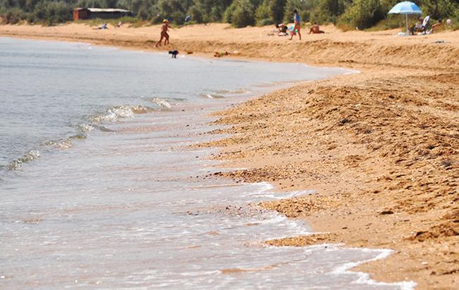 """""""Скоро взагалі пляжу не залишиться"""": в мережі показали як """"процвітає"""" Крим (фото)"""
