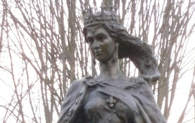 Фото: Пам'ятник Анні Ярослане в Тулузі (twitter.com)