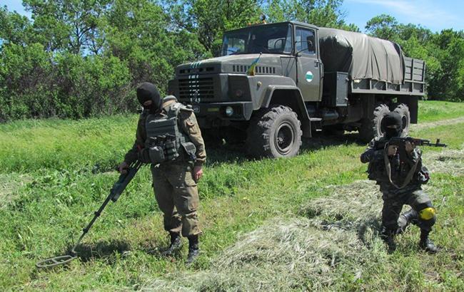 ВДонецкой области завершили разминирование после взрывов наскладе боеприпасов