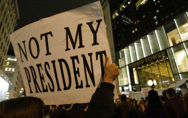 Фото: в США продолжаются протесты против Трампа