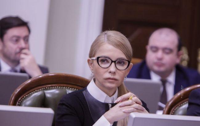 Тимошенко: зміною уряду - президент відволікає увагу від своїх провалів