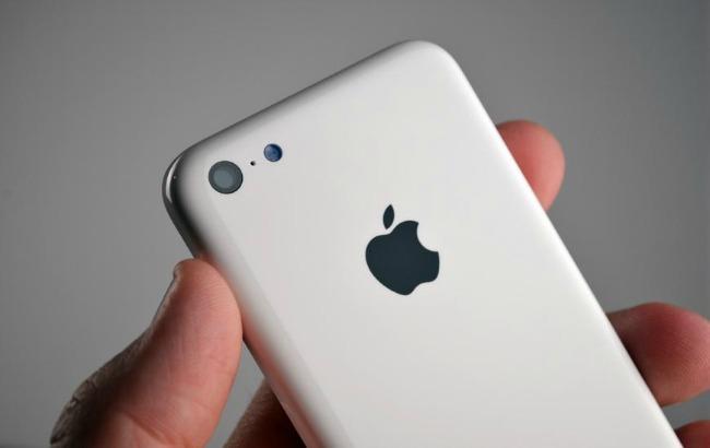 Фото: Apple вивчає можливість перенесення виробництва iPhone в США