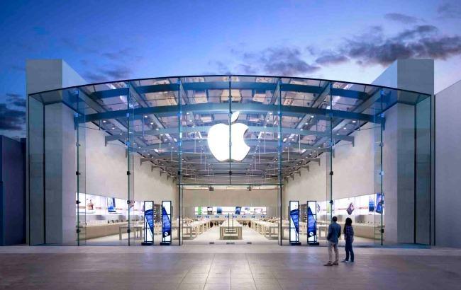 Apple откроет свой 1-ый  фирменный магазин на«вражеской» территории