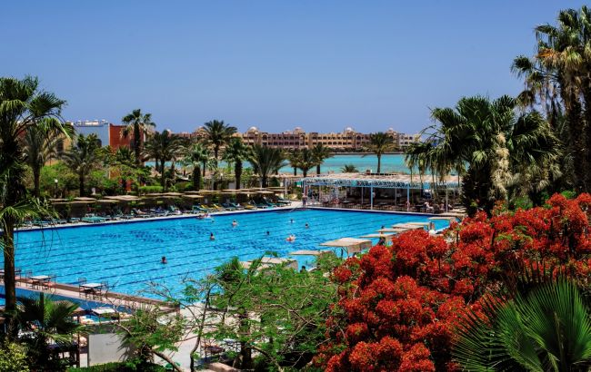 Самая высокая температура за весь год: на курортах Египта усилятся ветер и песчаные бури