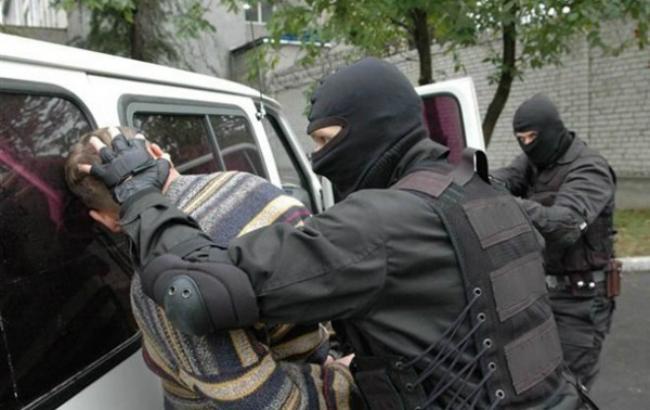 У Дарницькому районі затримали киянина з гранатою