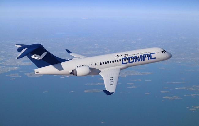 ВШанхае презентовали 1-ый китайский пассажирский самолет