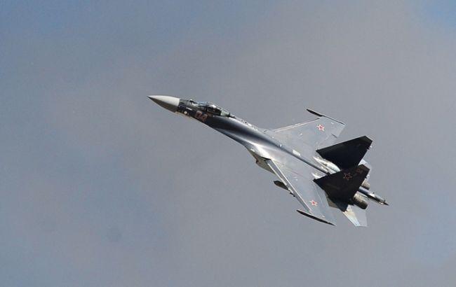 Фото: російський винищувач Су-27