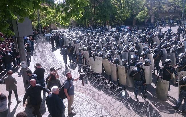 Фото: протесты в Армении (armm-(colonelcassad.livejournal.com))