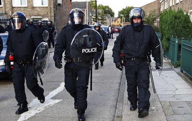 В Великобритании впроцессе антитеррористических рейдов задержали шесть человек