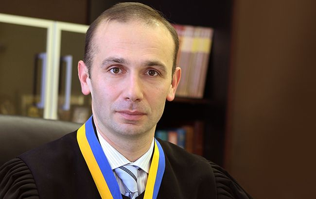 Печерский суд отказался увеличить судье Артуру Емельянову сумму залога и надеть на него электронный браслет