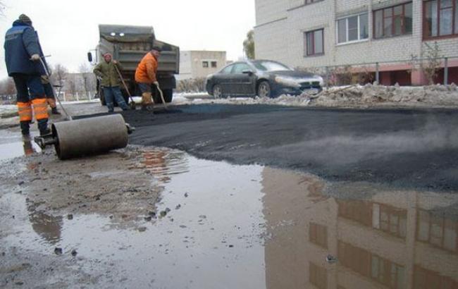 Чудеса ремонту: в Івано-Франківській області активісти присоромили дорожників