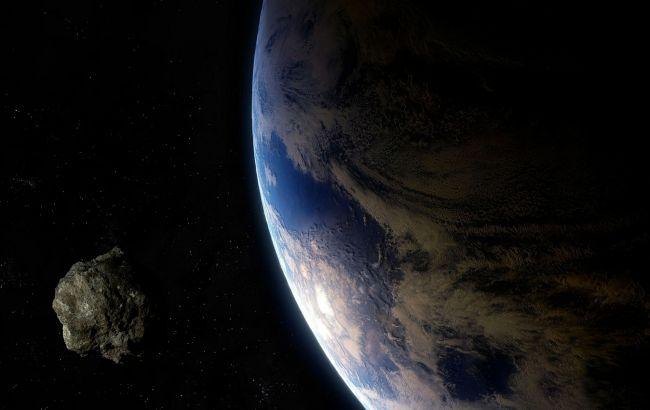 К Земле приближается астероид размером с футбольное поле: существует ли опасность