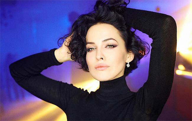 Ліфтолук: Даша Астаф'єва показала, як вона виглядає в повсякденному житті