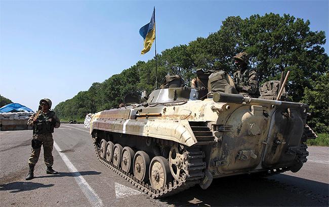 Внаслідок обстрілів у зоні АТО поранено одного українського військового, - штаб