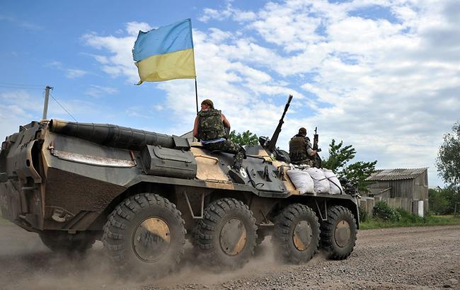 В зоні АТО внаслідок обстрілів поранено одного українського військового, - штаб