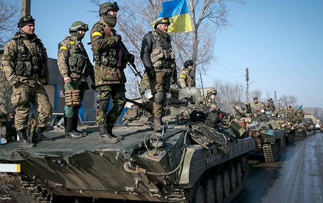 Взоне АТО волонтеры попали под снайперский огонь боевиков: двое раненых