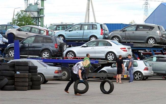 З серпня за знижених ставок акцизу українці зможуть заощадити при покупці імпортного б/у автомобіля