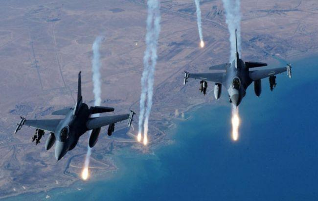 Фото: авіаудари в Сирії