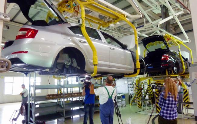 dfb5fd72c7db В апреле вырос спрос на коммерческие автомобили и автобусы, -
