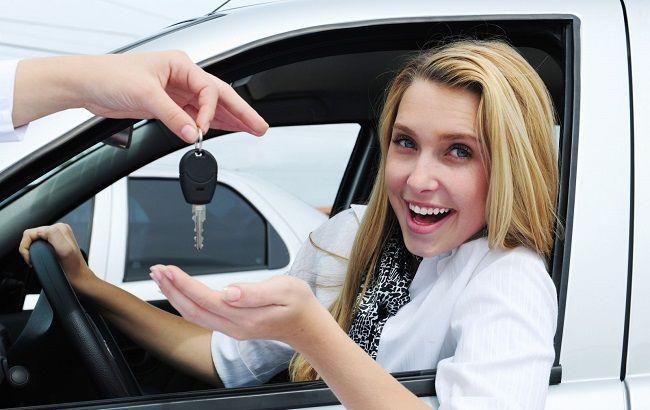 Фото: імпортні автомобілі стануть для українців доступнішим