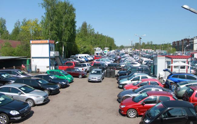 Фото: в Україні зростає попит на автомобілі з пробігом