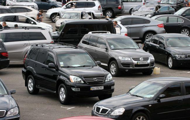 Количество проданных легковых автомобилей в Украине за месяц увеличилось почти на 55%