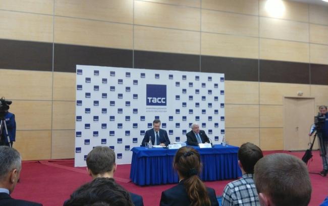 Фото: прес-конференція Віктора Януковича у Ростові