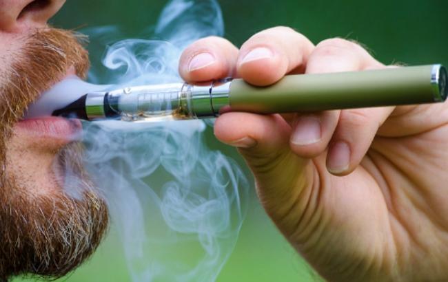 Фото: электронная сигарета (ayurveda-info.ru)