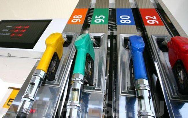 Фото: розничные продажи бензина существенно уменьшились