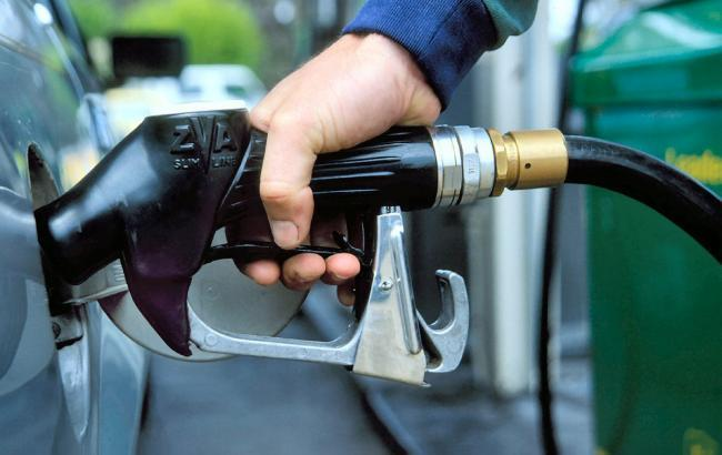 Фото: цены на АЗС немного подешевели