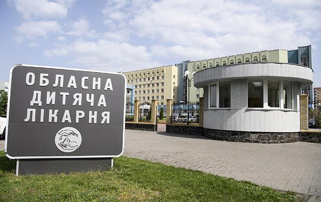 Масове отруєння у Черкасах: з лікарень виписали 22 дітей