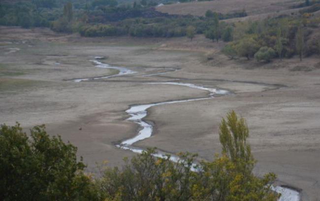 Фото: Засохлу Білогірське водосховище (ru.krymr.com)