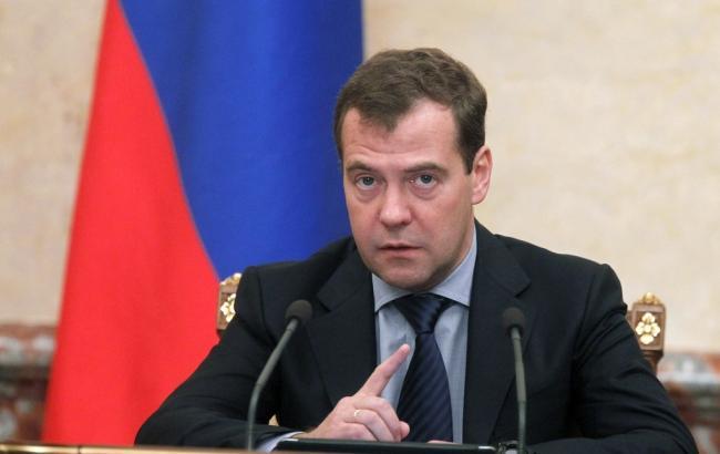 Медведев призвал распрощаться силлюзиями оботмене санкций