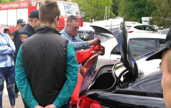Фото: затримання зловмисника (od.npu.gov.ua)