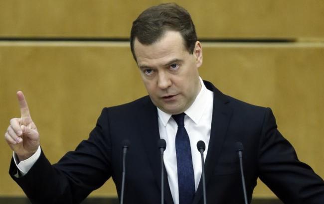 Росія займе максимально жорстку позицію у випадку відмови України повернути борги, - Медведєв