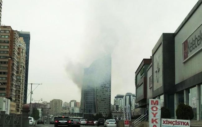 ВБаку вспыхнул 33-этажный небоскреб Trump Tower