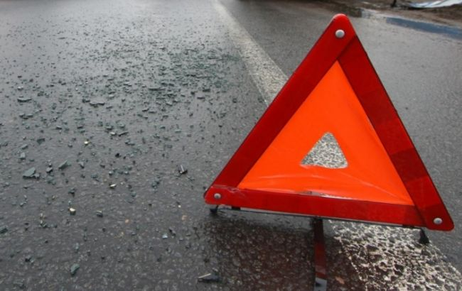 В Івано-Франківській області перекинувся автобус, постраждали 2 людини