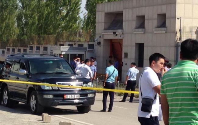 У Киргизії біля посольства Китаю пролунав вибух