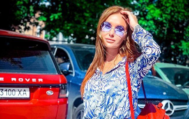 Куколки: Слава Каминская и Леся Никитюк в одинаковых нарядах поразили схожестью