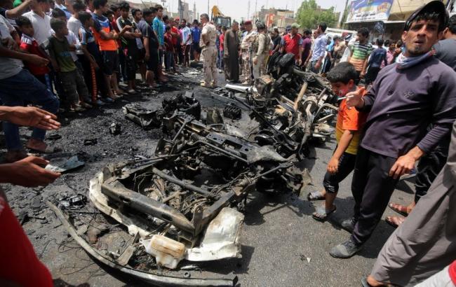 Фото: в Багдаде взорвался заминированный автомобиль
