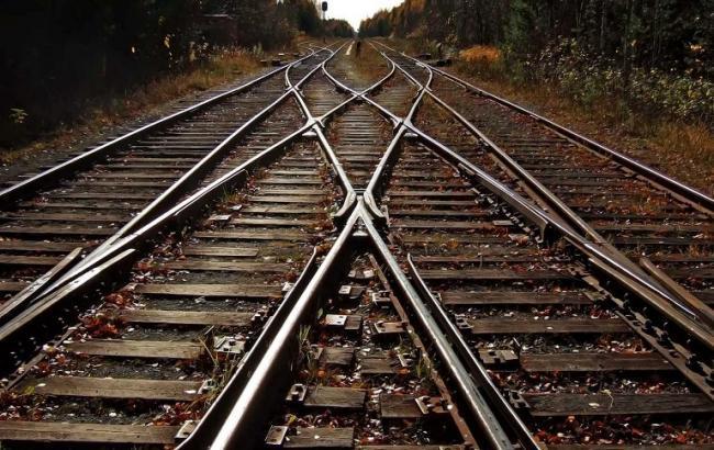 ВЛуганской области врезультате взрыва повреждены железнодорожные пути,— ВГА