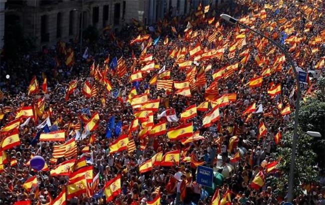 Фото: митинг в Барселоне (bars_(twitter.com-rockmorerecords)