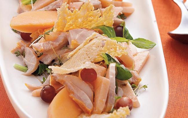 5 рецептов салатов из дыни