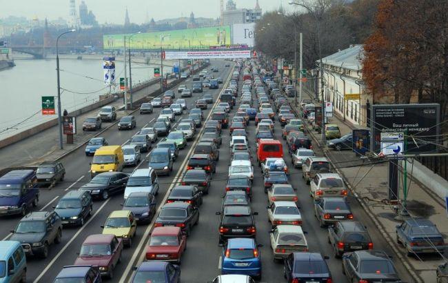 Вечером 10ноября центр столицы Украины парализован пробками в9 баллов