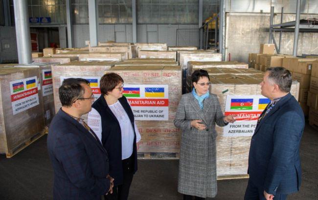Азербайджан передав Україні 23 тонни медичної допомоги